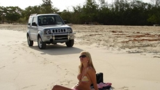 Car Stuck Girls on the beach (6)