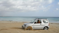 Car Stuck Girls on the beach (8)