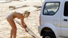 Car Stuck Girls on the beach (17)