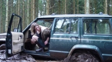 Car Stuck Girls (6)