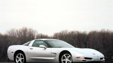 2001 Chevrolet Corvette Coupe 3