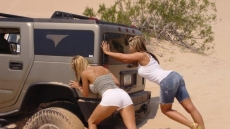 car stuck girls (16)
